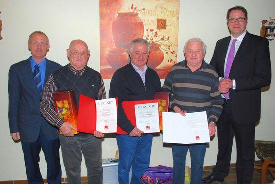 Heinrich Hoffmeister, Roland Emser, Ernst Schumacher, Ehrenvorsitzender Willy Bär, Alexander Schweitzer